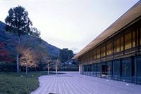 新建築 2006年4月号 シェルハ バイ アフロート