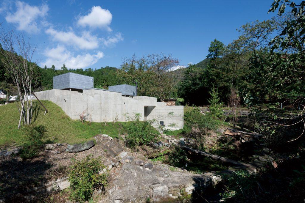 住宅特集 2014年1月号 住宅の建ち方 site specific