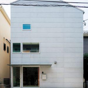 HOUSE d
