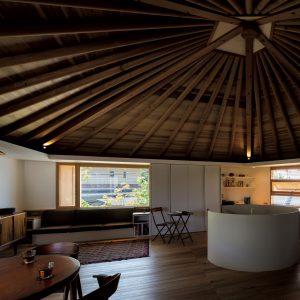 小さな五角形の家