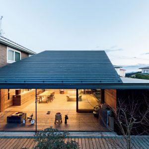 14「傾斜地形と片流れ屋根」手島浩之-都市建築設計集団/UAPP