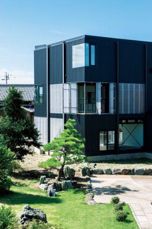 12「波板の家」山下大輔建築設計事務所