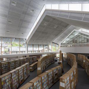 竹田市立図書館 - 設計: 塩塚隆生アトリエ 施工: 菅組