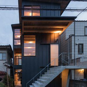 THREE-FAMILY HOUSE - 設計: 倉林貴彦建築設計事務所 施工: 坂本建築