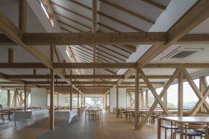 大学セミナーハウス Dining Hall やまゆり - 設計: 七月工房 + サイト 施工: 相羽建設