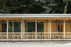 明治神宮 CAFÉ 杜のテラス - 設計: オークヴィレッジ木造建築研究所 施工: オークヴィレッジ