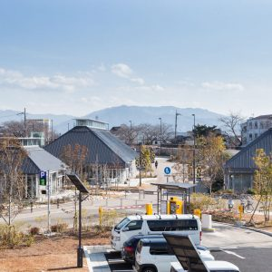 クサツココリバ〈草津川跡地公園商業施設〉