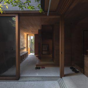 露地を愉しむ家