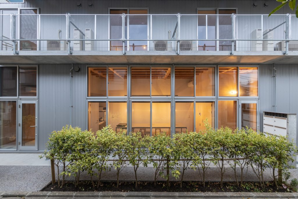 新建築 2019年8月号 Open Door Apartment 2 Open Door Apartment 2