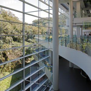ニフコ技術開発センター - 設計: 坂倉建築研究所 施工: 竹中工務店