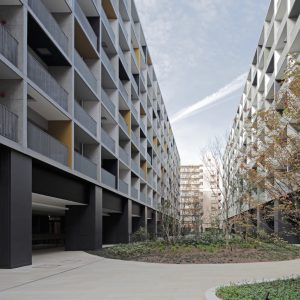 月島荘 - 設計: 三菱地所設計 施工: 東急建設
