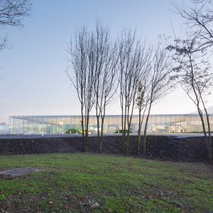 ルーヴル・ランス - 設計: 妹島和世 + 西沢立衛 / SANAA 施工: 分離発注