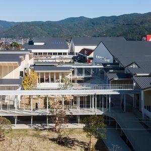 嬉野市立塩田中学校 + 嬉野市社会文化会館