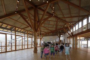 美濃保育園 子育て支援棟 - 設計: 象設計集団 施工: 澤崎建設