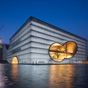 上海保利大劇場 - 設計: 安藤忠雄建築研究所 + 同済大学建築設計研究院 施工: 中国建築 (上海)
