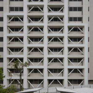 高島平団地2-26-4号棟耐震改修工事 - 施工: 菊池建設