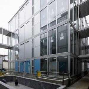 祐天寺の集合住宅 - 設計: 北山恒 + architecture WORKSHOP