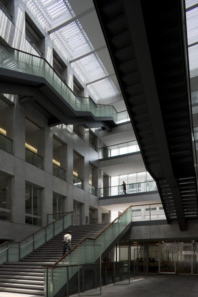 新建築 2009年9月号 木材会館