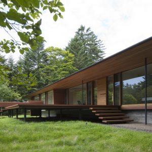 離山の家 - 設計: 城戸崎建築研究室 施工: 新津組