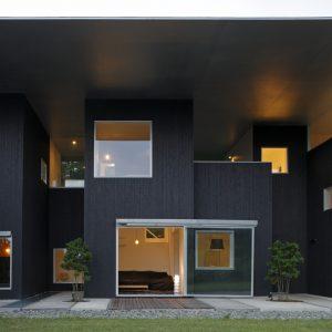 軒の家 - 設計: 吉村靖孝建築設計事務所 施工: アートホーム湘南