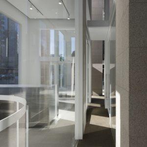 フラワーショップH - 設計: 乾久美子建築設計事務所 施工: 清水建設