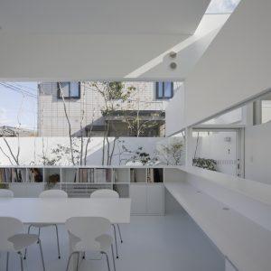 アトリエ・ビスクドール - 設計: 前田圭介 / UID施工 西友建設所在地 大阪府箕面市