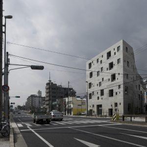 Grotto - 設計: 芦澤竜一建築設計事務所 施工: 日本建設