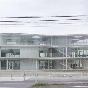 豊田市生涯学習センター逢妻交流館 - 設計: 妹島和世建築設計事務所 施工: 安藤建設