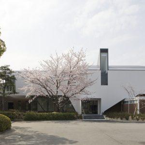 京都工芸繊維大学 60周年記念館