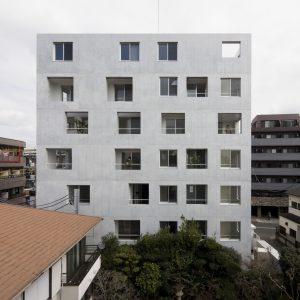 練馬のアパートメント - 設計: 長谷川豪建築設計事務所 施工: ミサワホーム東京