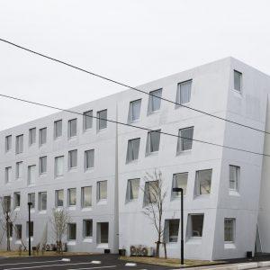 one roof apartment - 設計: 平田晃久建築設計事務所 + 吉原美比古 施工: 久保田建設