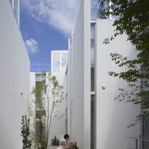 ルネヴィレッジ成城 - 設計: 柳澤潤 / コンテンポラリーズ 施工: 小川建設