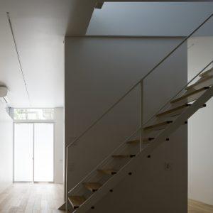 松庵 森の家 - 設計: 柳澤潤 / コンテンポラリーズ 施工: 新発田建設