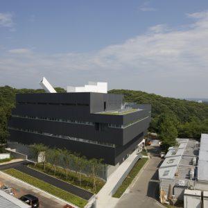 東京造形大学 CS PLAZA - 設計: 安田アトリエ 施工: 東急建設