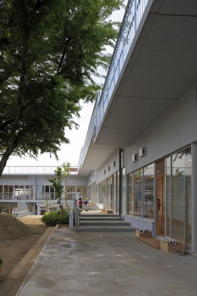 新建築 2011年6月号 Ring Around a Tree ふじようちえん増築 Kindergarten & Nursery