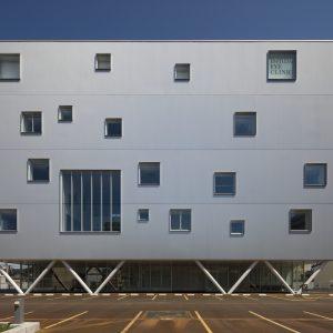 石田眼科 - 設計: 今村雅樹アーキテクツ 施工: 鹿島建設