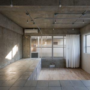海老塚の段差 - 設計: 403architecture [dajiba] 施工: 永住企画