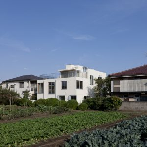 凸ハウス - 設計: 柳澤潤 / コンテンポラリーズ 施工: 新発田建設