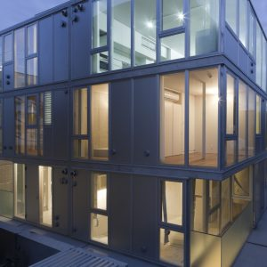 四谷の集合住宅 - 設計: 北山恒 + architecture WORKSHOP 施工: 小川建設