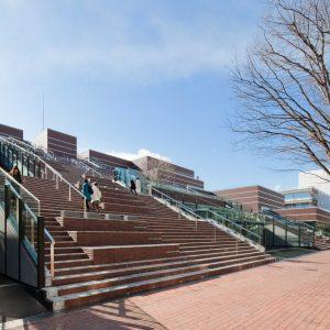 国立音楽大学新1号館 - 設計: 松田平田設計 施工: 清水建設