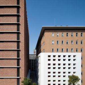 近畿大学33号館 (建築学部棟) ・39号館 (薬学部棟) - 設計: NTTファシリティーズ 施工: 東急建設