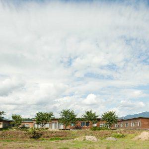 最上町の特別養護老人ホーム - 設計: みかんぐみ 施工: 大場・北山・鈴木特定建設企業体