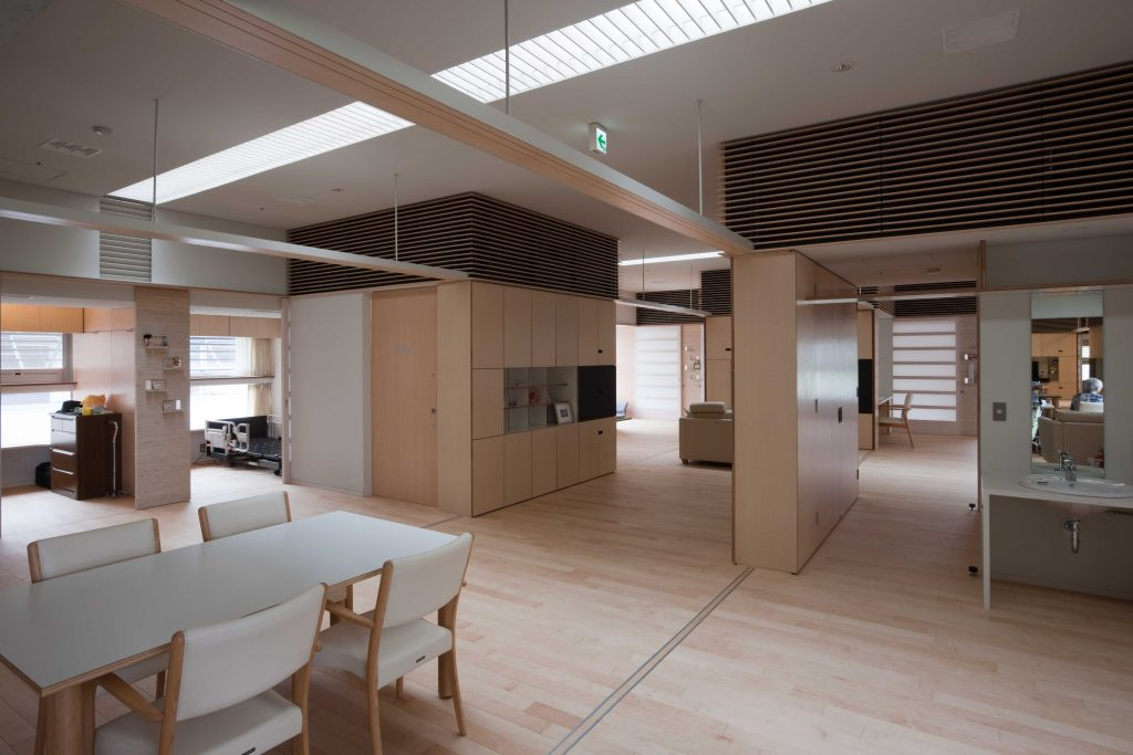 新建築 2012年10月号 ドナルド・マクドナルドハウス・東大