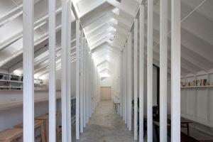 高野山ゲストハウス - 設計: 竹口健太郎 + 山本麻子 / アルファヴィル 施工: 木村工務店