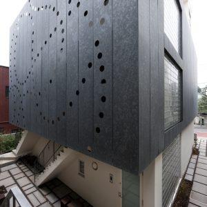 谷中テラス - 設計: aat + ヨコミゾ建築設計事務所 施工: 新発田建設