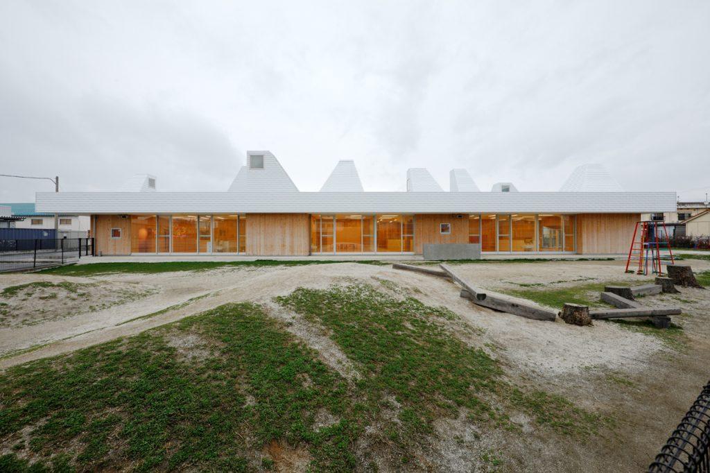 新建築 2013年4月号 中河原保育園