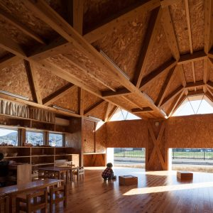 T-NURSERY 筑紫保育園分園 - 設計: 内田貴久建築設計事務所 施工: ナガタ建設