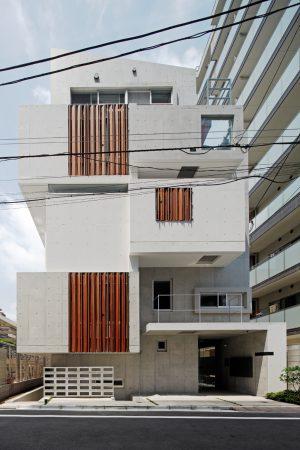 ガジュマルハウス - 設計: 澤口直樹 + 44TUNE / 吉富興産建築企画室 施工: 林田建設