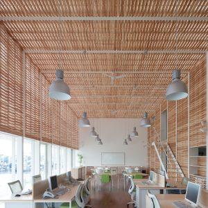 木籠のオフィス - 設計: 末光弘和 + 末光陽子 / SUEP. 施工: イノウエハウジング