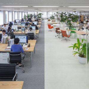 新建築社霞が関オフィス - 設計: 西沢立衛建築設計事務所 施工: はやの意匠 インターオフィス 栄港建設